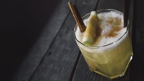 caramel apple cocktail